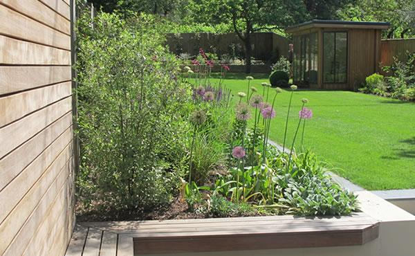 Liz keyworth garden designer for Garden design job vacancies london